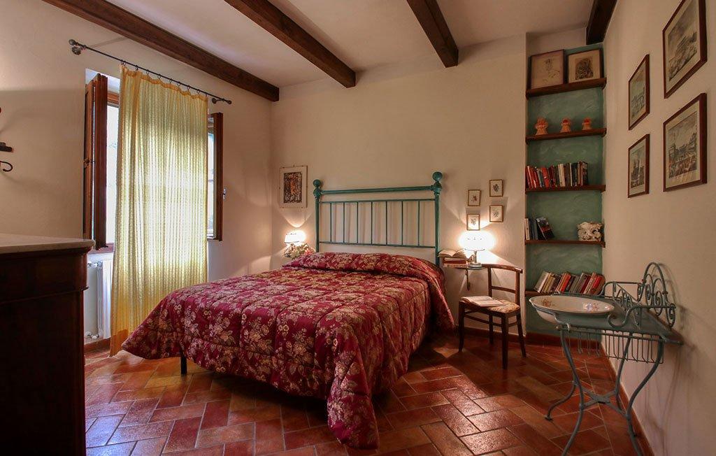 Trebbiolo agriturismo per famiglie in Toscana - Camera matrimoniale dell'appartamento Tulipano