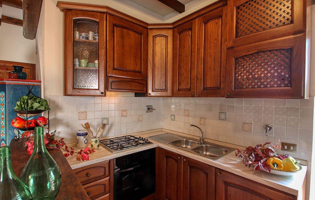 Dettaglio cucina appartamento il Melograno - Agriturismo Trebbiolo