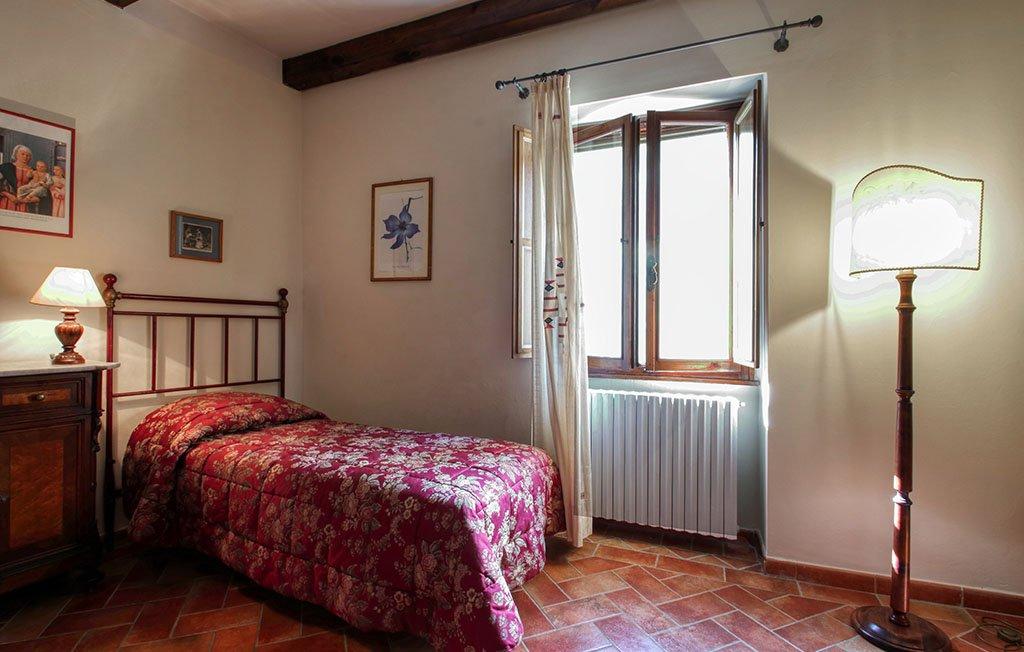 Camera singola appartamento il Tulipano - Agriturismo Trebbiolo
